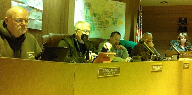 Montesano City Council Goes Paperless With iPads