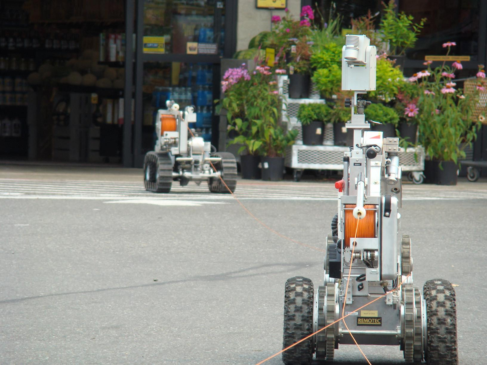 bomb detection robots from the WSP looked for the alleged bomb