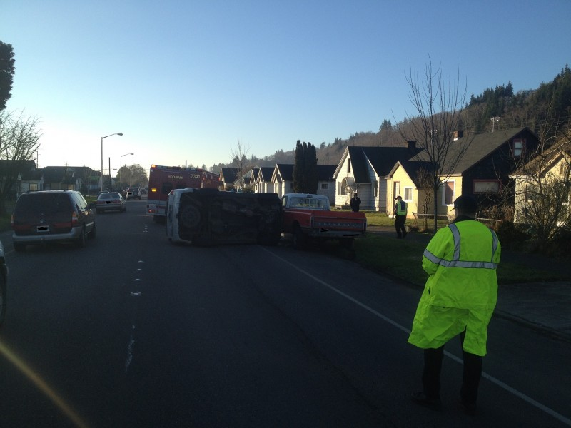 Rollover accident in Hoquiam