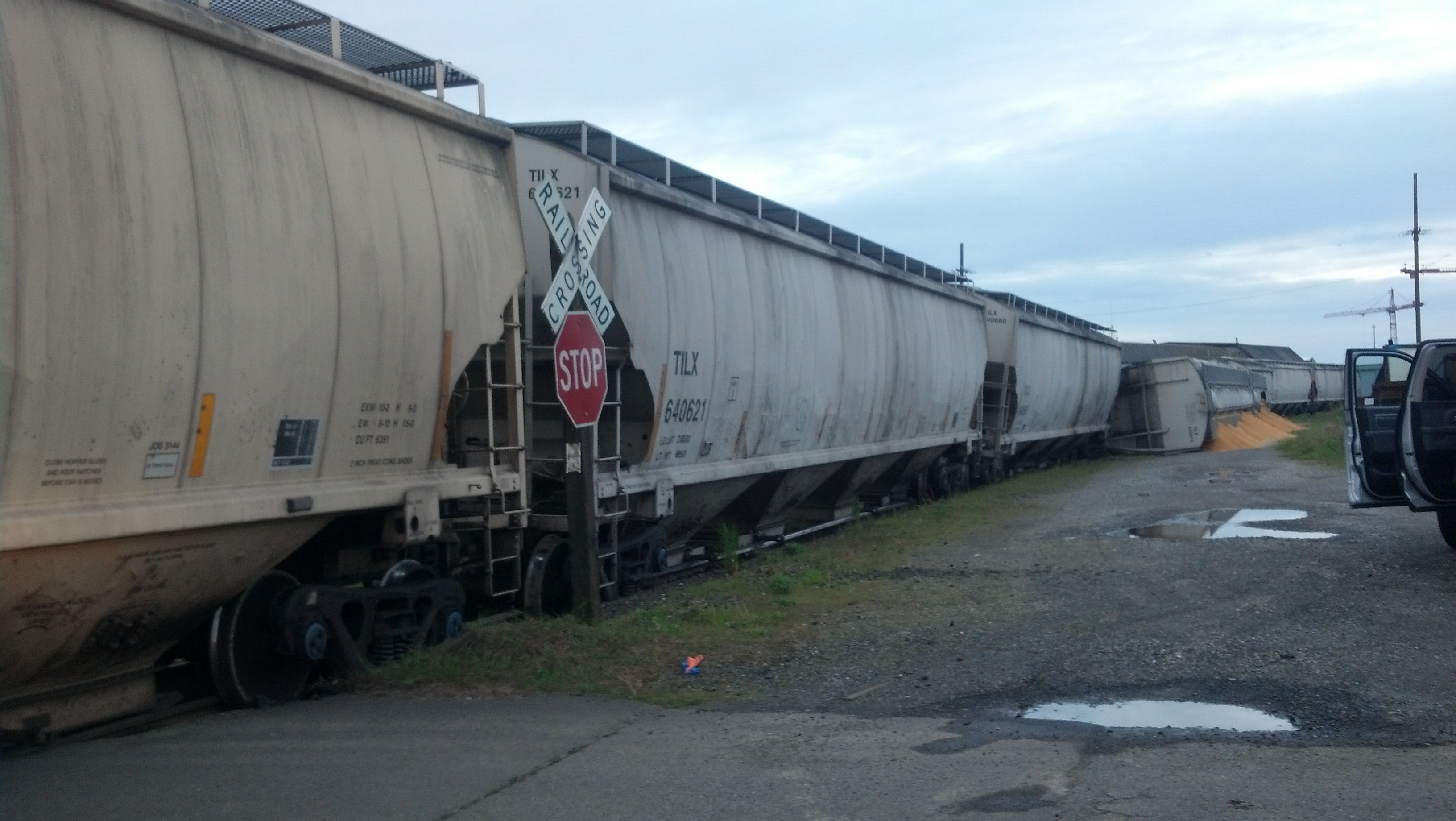 Repairs being made to tracks, roadway in Aberdeen after train derails early Tuesday