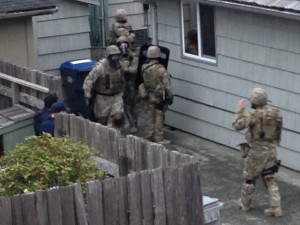 Aberdeen standoff on Oak street after police find body on porch