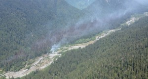 Paradise fire continues to burn about 950 acres in Olympic National Park