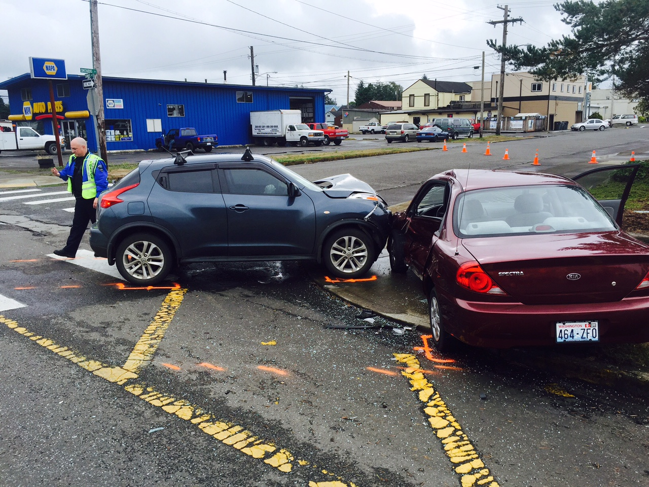 Hoquiam Police investigate two-vehicle wreck