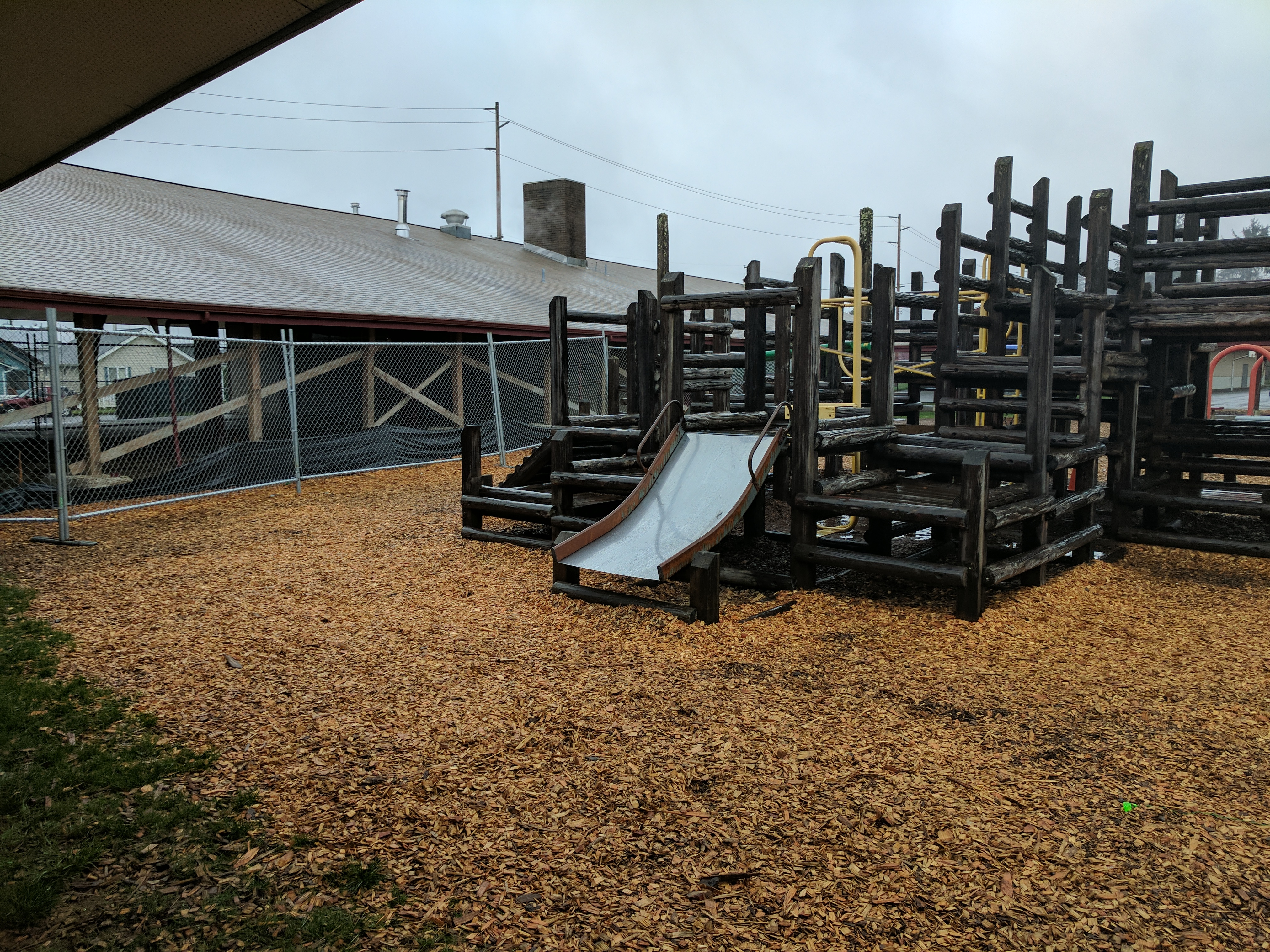 cosmopolis elementary school seeks support to replace playground